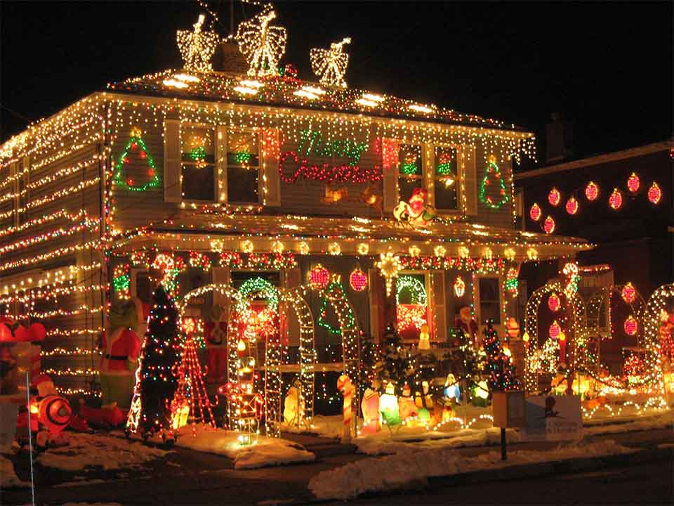 Christmas Light Ideas.20 Christmas Lighting Ideas That Will Leave You Speechless