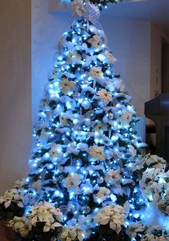 blue-christmas-tree-decoration-ideas-06