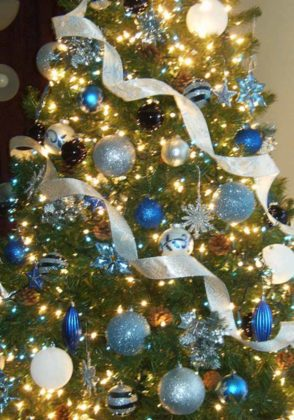blue christmas tree decoration ideas 07