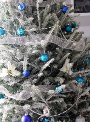 blue christmas tree decoration ideas 08