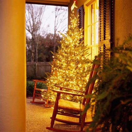 christmas-door-decoration-with-lighting