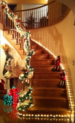 christmas-stair-decoration-06