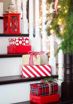 christmas-stair-decoration-07