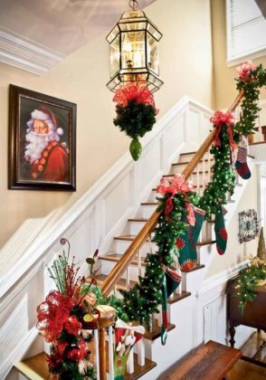 christmas-stair-decoration-09