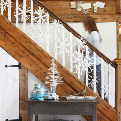 christmas-stair-decorations-01