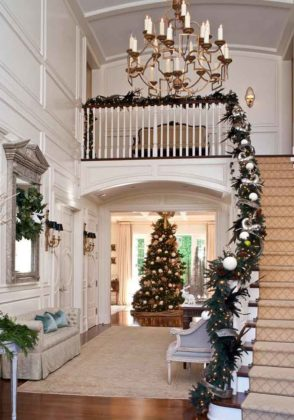 christmas-stair-decorations-12