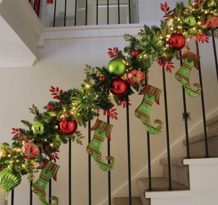 christmas-stair-decorations-14
