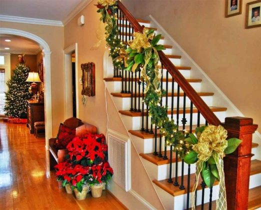 christmas-stair-decorations-16