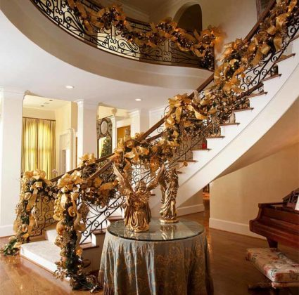 christmas-stair-decorations-17