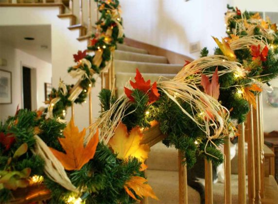 christmas-stair-decorations-18