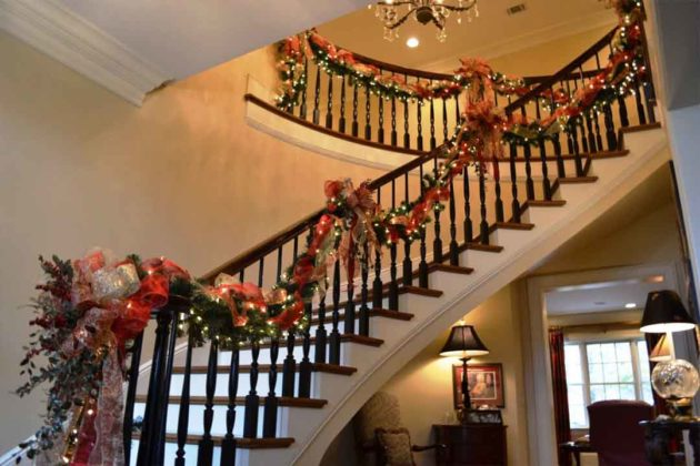 christmas-stair-decorations13