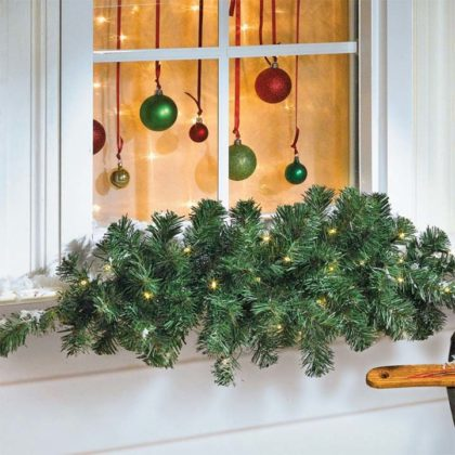 christmas-window-decoration-with-green-tree