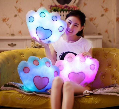 cute-luminous-pillow