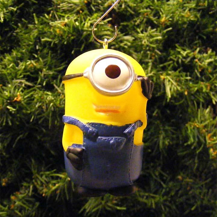 cute-minion-ornament-for-christmas