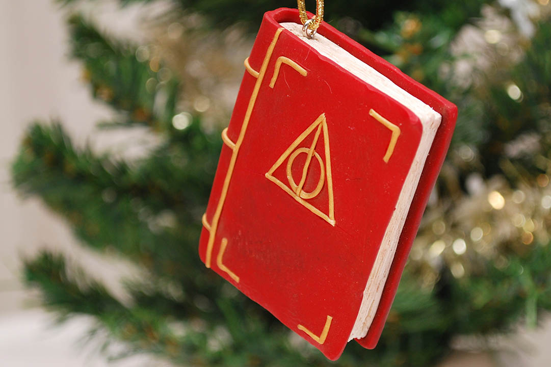 harry-potter-book-ornament