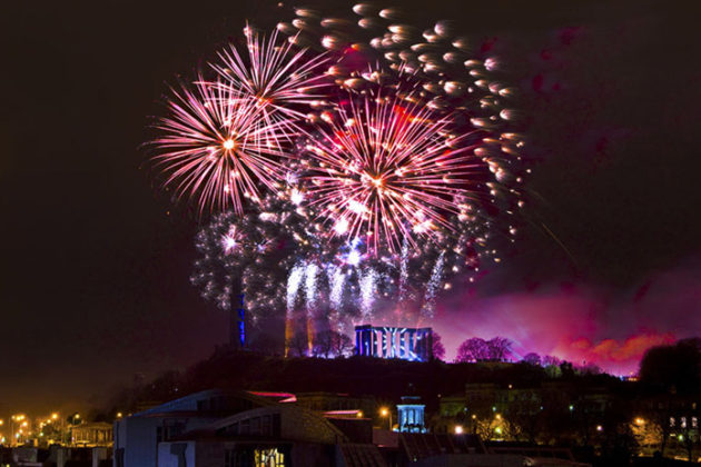 new-year-celebrations-in-scotland-hogmanay-04