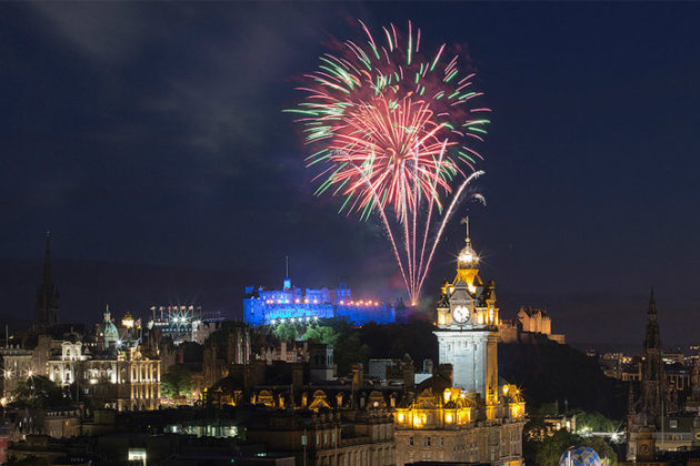 new-year-celebrations-in-scotland-hogmanay-06