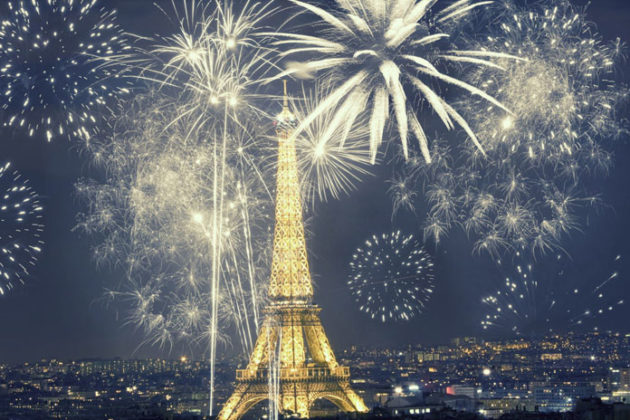 paris-new-year-eve-celebrations-08