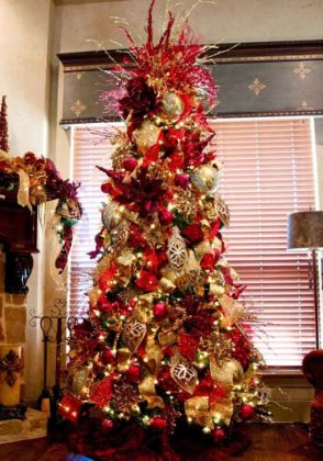 red-christmas-tree-decoration-ideas-06