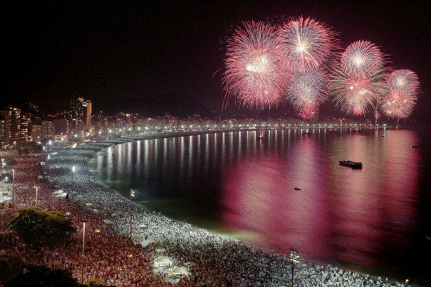rio-de-janeiro-new-year-celebrations-copacabana-beach