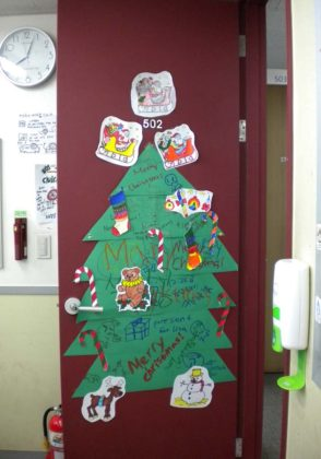 tree-christmas-door-decoration-06