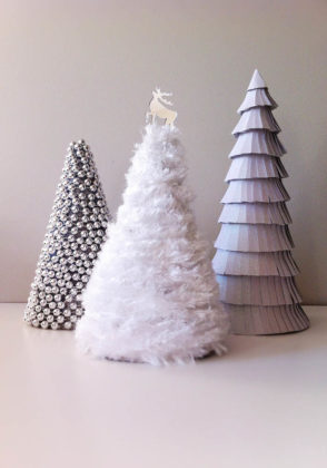 White Christmas Tree Decoration Ideas 05