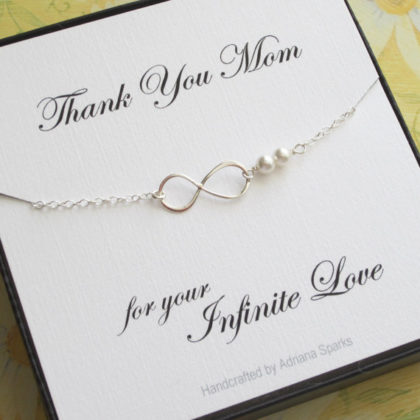 christmas-gift-ideas-for-mom-01
