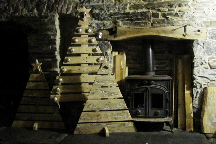 Wood Pallet Christmas Tree Ideas.12 Pallet Christmas Tree Ideas Better Than Real Xmas Trees