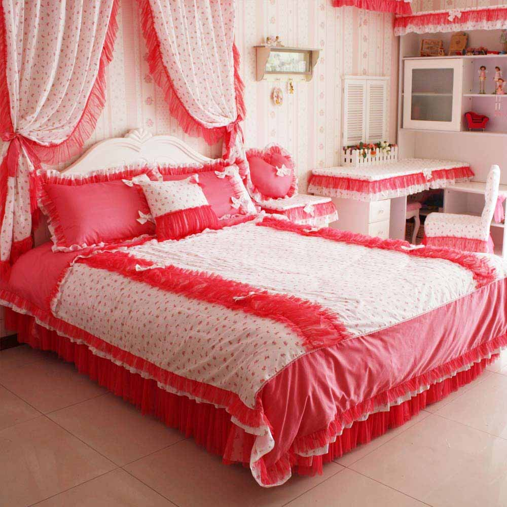 Valentine Room Decor