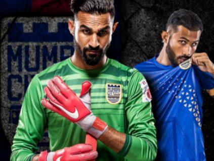 best footballer Amrinder Singh Wearing mumbai city FC jersey