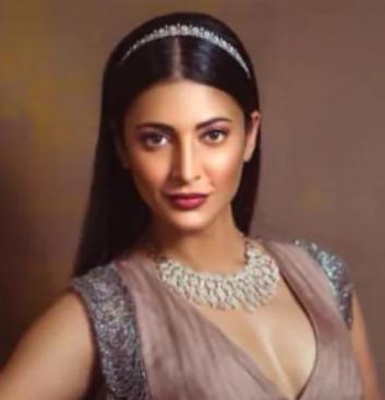 7th Richest Actress shruti hasan wearing diamond necklace
