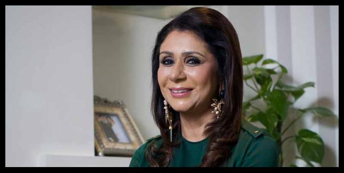 women entrepreneur vandana luthra sitting in her office
