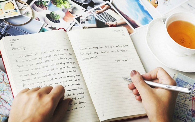 writing journal to relieve stress